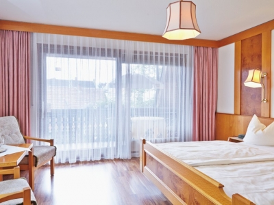 Rooms & Rates - Hotel Pflug Oberkirch